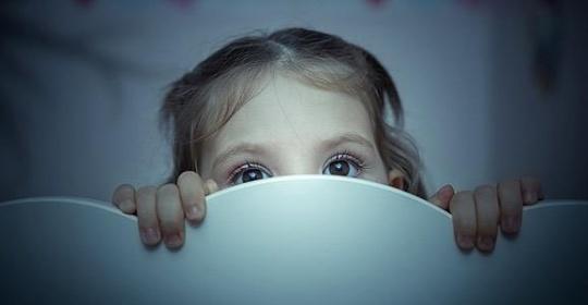 Το παιδί μου φοβάται το σκοτάδι: Τι να κάνω;