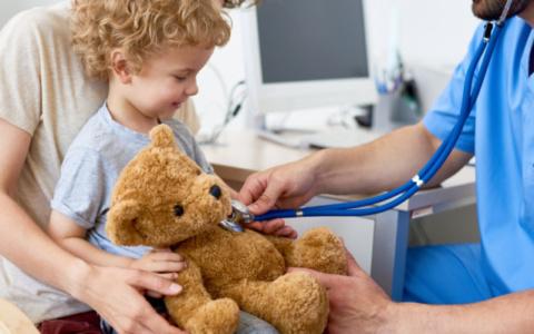 Σταφυλόκοκκος στο παιδί: Τι ΠΡΕΠΕΙ να ξέρουν οι γονείς